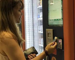 SmartRetail's interactive touch screen and cashless payment system